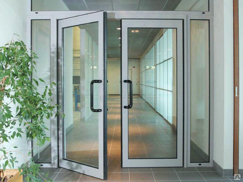 Надежные и практичные алюминиевые двери