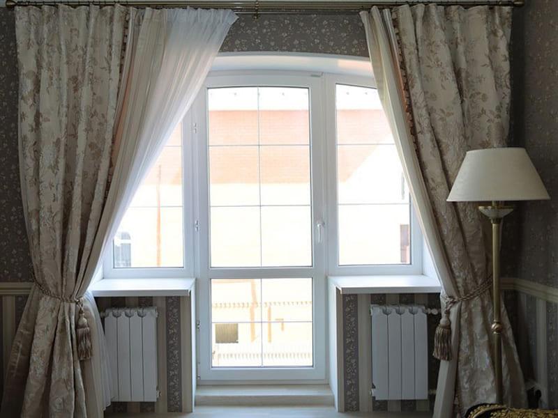 Пластиковое окно с балконной дверью цена