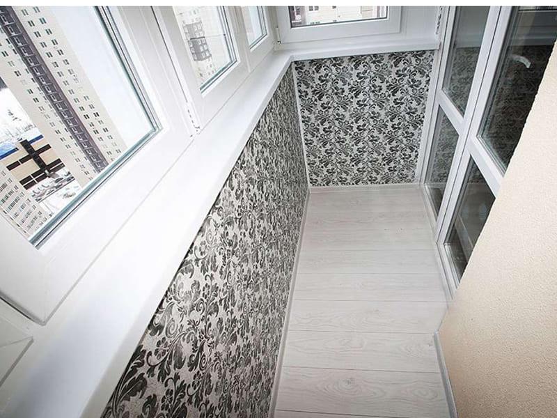 Остекление и внутренняя отделка балкона