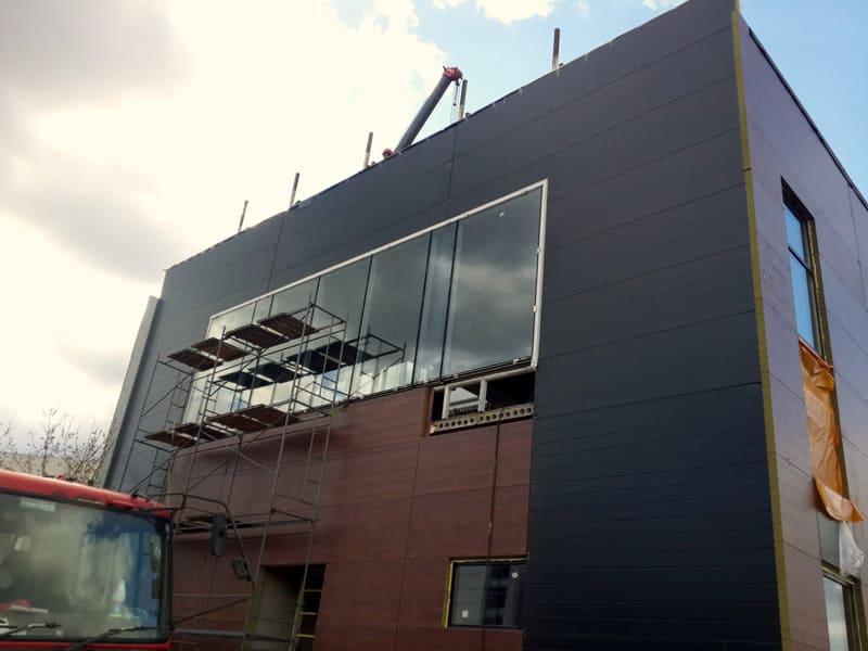 Остекление фасада здания под ключ