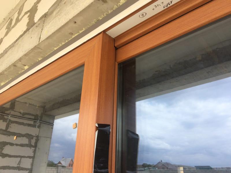 Входные двери с остекление