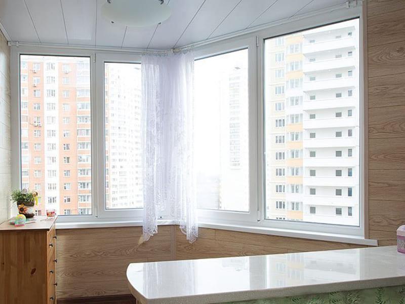 Стоимость остекления балкона в Томске