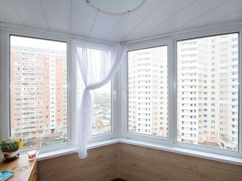 Остекление балкона присоединенного к комнате